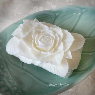 新作 純白のバラ ソープカービング(インテリア雑貨)