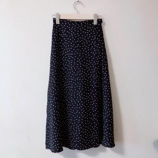 ジーユー(GU)の水玉 スカート(ロングスカート)