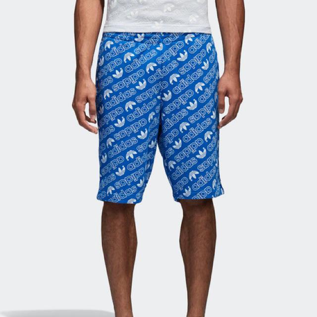 adidas(アディダス)のadidas originals トレフォイル総柄パンツ メンズのパンツ(ショートパンツ)の商品写真