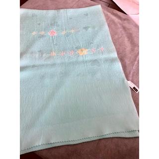 衿秀/正絹帯揚げハートの地紋に絞り/水色新品未使用(和装小物)