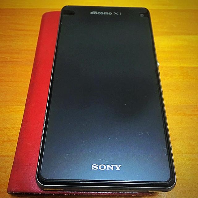 SONY(ソニー)のdocomo Xperia z1f so-02F スマホ/家電/カメラのスマートフォン/携帯電話(スマートフォン本体)の商品写真