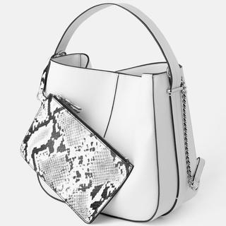 ザラ(ZARA)のZARA バッグ ホワイト インナーウォレット付き 2way(ハンドバッグ)