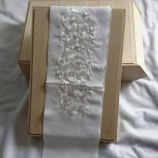 フリフ(ふりふ)のcocok5様専用  たっぷり刺繍 半襟  白  シルエリー(和装小物)