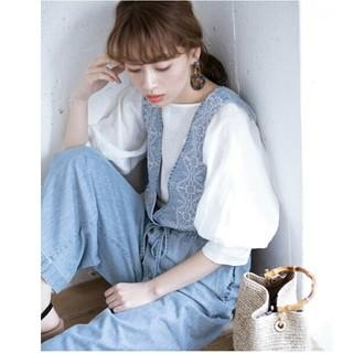 サニーレーベル(Sonny Label)のサニーレーベル  クロス刺繍デニムサロペット  ◆新品未開封 ◆ライトインディゴ(サロペット/オーバーオール)