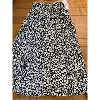 シマムラ(しまむら)のプチプラのあやさん着用 しまむら コバナケシプリーツスカート Lサイズ(ロングスカート)