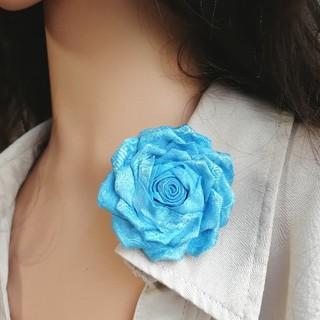 母の日に♪爽やかブルーのバラ1輪つまみ細工ブローチ 髪飾りにも(コサージュ/ブローチ)