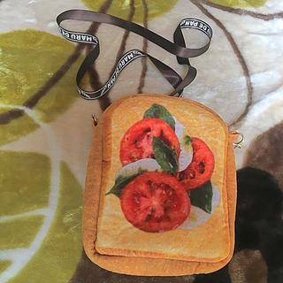新品 MARU DE PAN まるでパン トマト カプレーゼ サコッシュ(リュック/バックパック)
