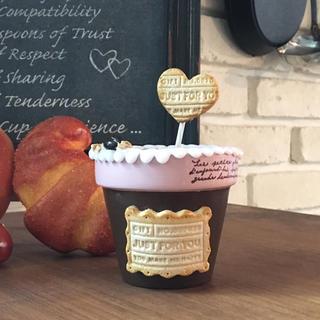 クッキー&クリーム鉢*いちごチョコ*ピックのおまけ付き(プランター)