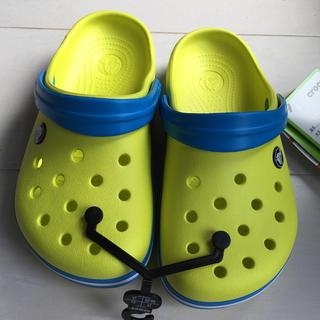 クロックス(crocs)の専用Crocs サンダル 新品(サンダル)
