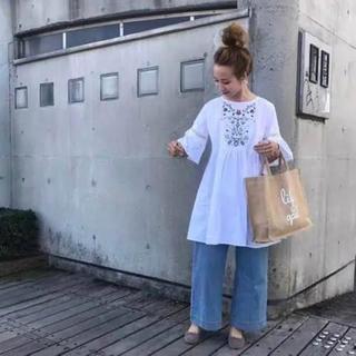 ZARA - mite 刺繍 フレアワンピース 白