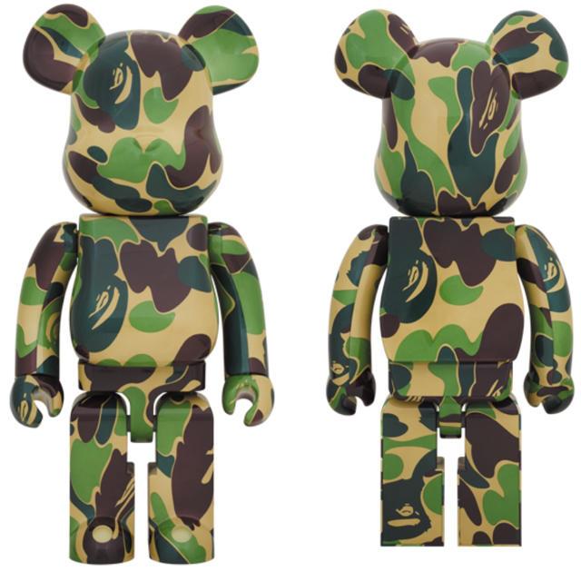 A BATHING APE(アベイシングエイプ)のベアブリック be@rbrick ABC CAMO 緑 GREEN 1000%  エンタメ/ホビーのおもちゃ/ぬいぐるみ(キャラクターグッズ)の商品写真