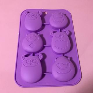 ディズニー(Disney)の新品☆モンスターズインク*シリコンプチケーキ型(調理道具/製菓道具)