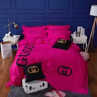 グッチ(Gucci)の四季適用★希少!! 高級感 寝具カバー 2枚枕カバー 4点セット 掛け布団カバー(シーツ/カバー)