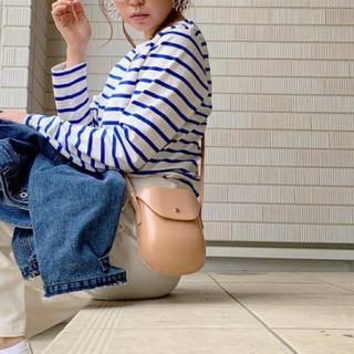 ザラ(ZARA)の新品 ベージュ レザー調 アングリッド ポシェット 巾着 ショルダーバッグ(かごバッグ/ストローバッグ)