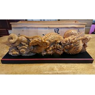 龍の木彫りの置物