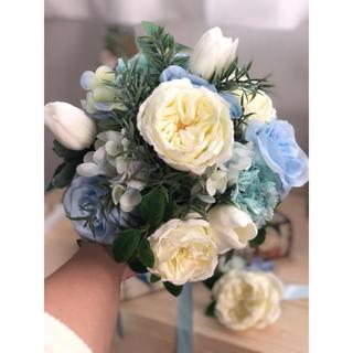 白バラ×水色のナチュラルクラッチブーケ☆(ブーケ)