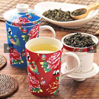 カルディ(KALDI)のカルディ  茶こし付き マグカップ パンダ柄 青&赤(グラス/カップ)