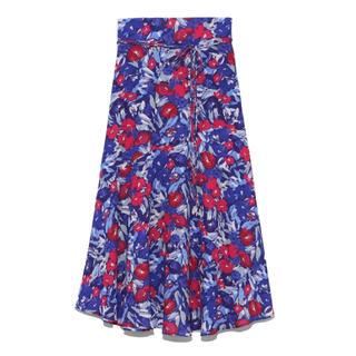 ミラオーウェン(Mila Owen)のmilaowen アシンメトリーヘムジョーゼット柄スカート(ロングスカート)