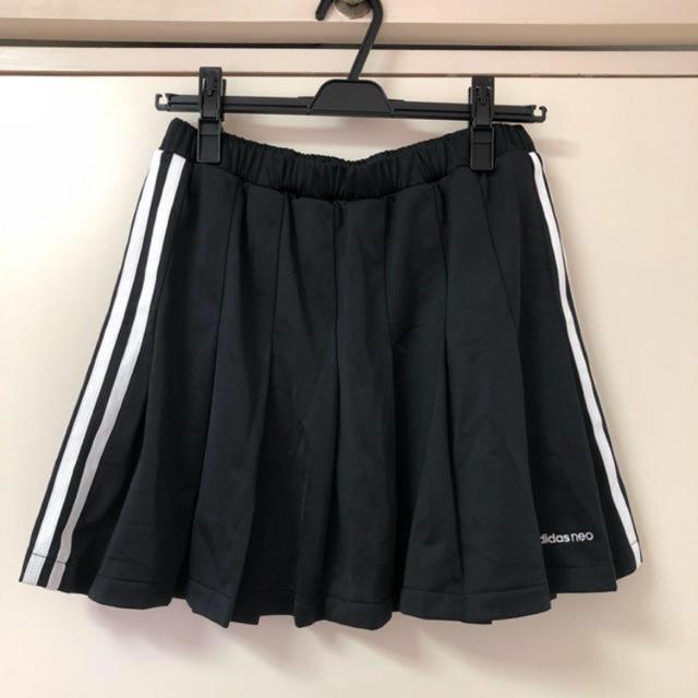 adidas(アディダス)のアディダスプリーツスカート レディースのスカート(ミニスカート)の商品写真
