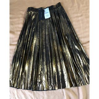ザラ(ZARA)の新品未使用タグ付き ZARA ゴールド プリーツ スカート(ロングスカート)