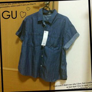 ジーユー(GU)のGU♡デニムシャツ✨新品タグ付き(シャツ/ブラウス(半袖/袖なし))