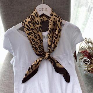 レオパードスカーフ スカーフ新品 レオパード柄 正方形スカーフ ヒョウ柄スカーフ(バンダナ/スカーフ)