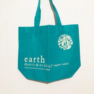 アースミュージックアンドエコロジー(earth music & ecology)のearth 初音ミク コラボ ショッパー(ショップ袋)