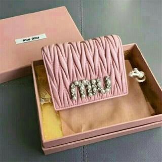 ミュウミュウ(miumiu)のミュウミュウ マトラッセ 折り財布(財布)