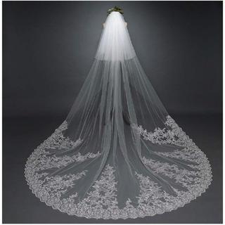 ほぼ新品☆オフホワイト ロングウエディングベール 3.8m(ウェディングドレス)