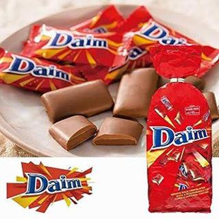 イケア(IKEA)のDaim アーモンドミルクキャラメルチョコレートXXL8個ラスト1個(菓子/デザート)