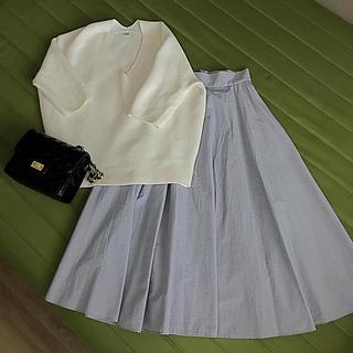 ユニクロ(UNIQLO)のユニクロ 美品☆ストライプフレアースカート(ひざ丈スカート)