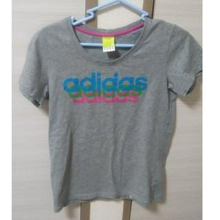 アディダス(adidas)のadidas Tシャツ(Tシャツ(半袖/袖なし))