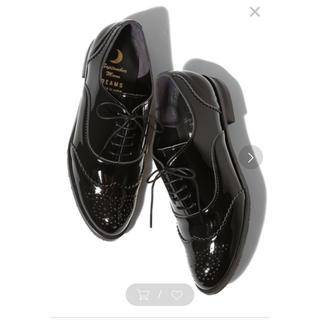 Ray BEAMS  エナメル調アーモンドシューズ(ローファー/革靴)