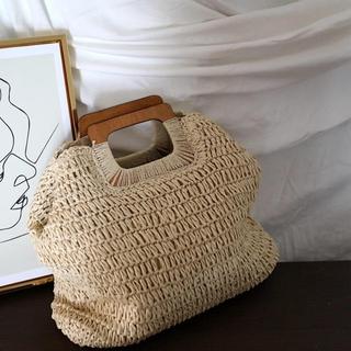 アングリッド(Ungrid)の新品 ウッド持ち手 カゴバック 籐 木製 バスケット ビーチバッグ(かごバッグ/ストローバッグ)