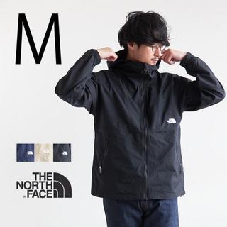 ザノースフェイス(THE NORTH FACE)の防水雨具 M 新品ノースフェイス黒マウンテンパーカー コンパクトジャケット(マウンテンパーカー)