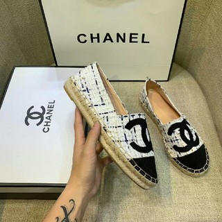 シャネル(CHANEL)の新しいカラーマッチング Chanelシャネル靴ホワイト  23.5(ローファー/革靴)