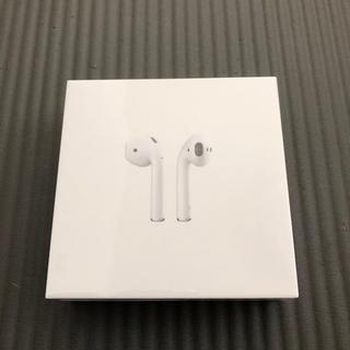 アップル(Apple)の未開封新品 保証あり airpods 第二世代(ヘッドフォン/イヤフォン)