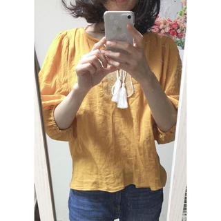 ジーユー(GU)のシフォンブラウス  イエロー  刺繍(シャツ/ブラウス(長袖/七分))
