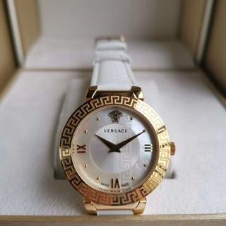 ヴェルサーチ(VERSACE)のヴェルサーチ ■腕時計 ホワイト レイディース(腕時計)