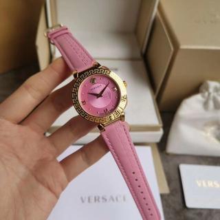ヴェルサーチ(VERSACE)のヴェルサーチ 腕時計 ピンク レイディース(腕時計)