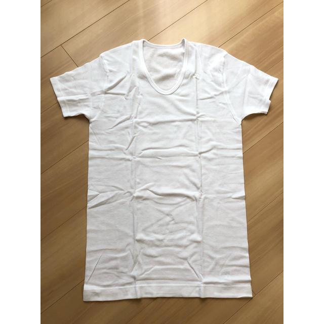 しまむら(シマムラ)の未使用 白 U首 半袖 シャツ メンズのアンダーウェア(その他)の商品写真