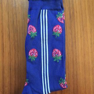 ジェーンマープル(JaneMarple)のジェーンマープル 靴下おまとめになります。いちごの靴下 ネイビー(ソックス)