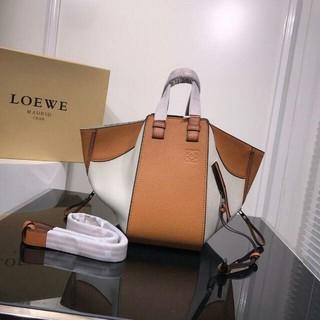 ロエベ(LOEWE)のハンモック ミディアム 3WAYバッグ(ショルダーバッグ)