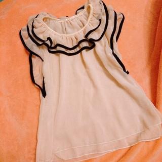セシール(cecile)の美品♡シースルー フリルトップス(シャツ/ブラウス(半袖/袖なし))