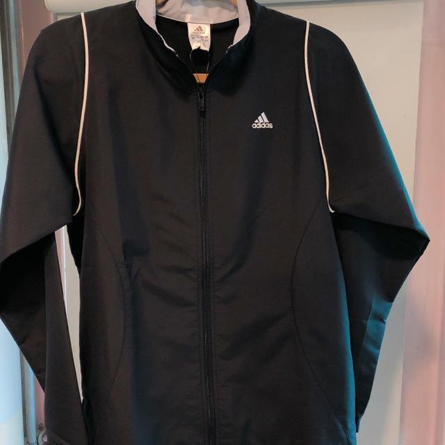 adidas(アディダス)のアディダス ウォームアップ上下セット スポーツ/アウトドアのテニス(ウェア)の商品写真