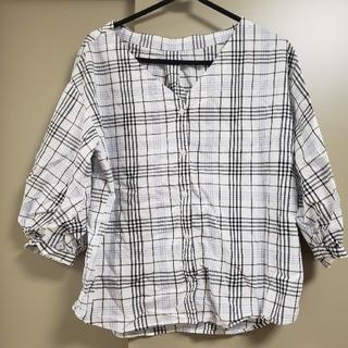ジーユー(GU)のGU チェックシャツ ブラウス ホワイト(Tシャツ(長袖/七分))