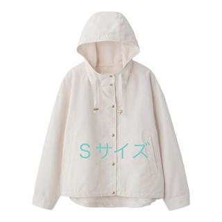 ジーユー(GU)のgu☆マウンテンパーカー☆ホワイト☆Sサイズ(ブルゾン)