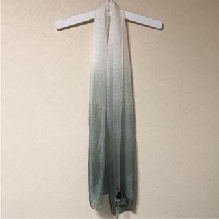 ダナキャランニューヨーク(DKNY)の●新品 シルク100% dkny スカーフ ストール    グリーン×シロ(ストール/パシュミナ)
