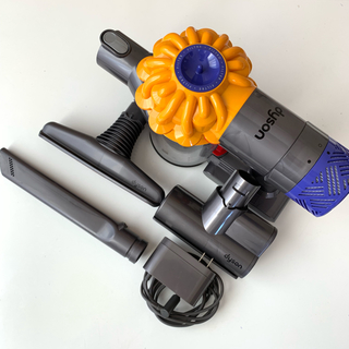 ダイソン(Dyson)のdyson v6 コードレスクリーナー 中古セット(掃除機)