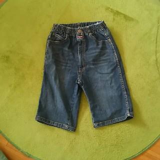 セシール(cecile)のキッズ男子140cm夏物デニムハーフパンツ🎵膝が隠れる丈40cm美品です(パンツ/スパッツ)